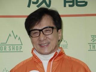 成龙表示不准备接房祖名出狱 妻子自困陪儿子受罚